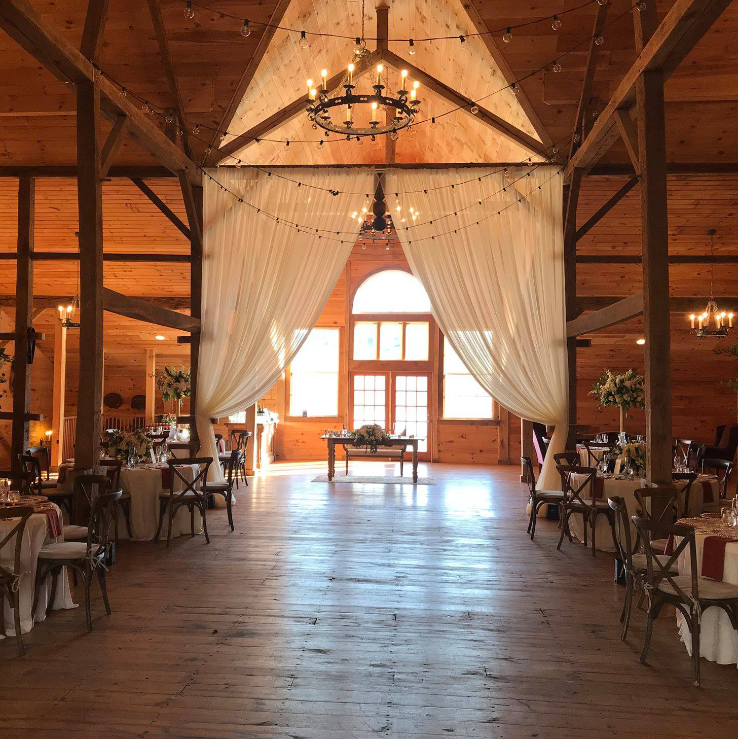 About Stone Ridge Hollow Barn Wedding Party and Event